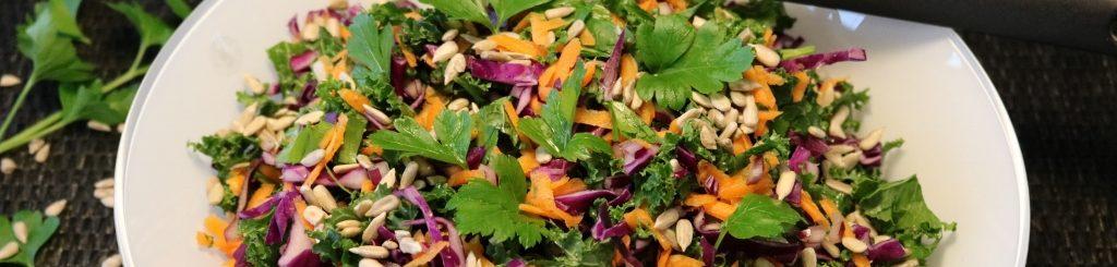 Salat med spidskål og grønkål
